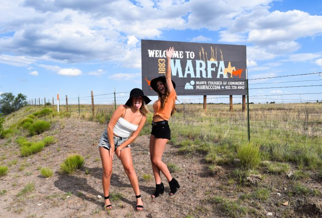 welcome to marfa2 (1 of 1)
